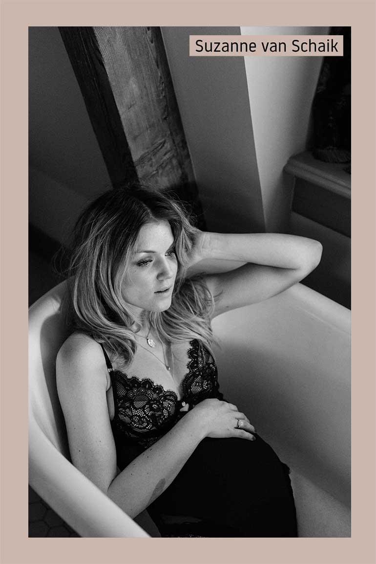 zwangerschapsfotografie, pcos-coach, orthomoleculair dietist, iris de goede, bioresonantietherapie, zwanger worden, ontpillen, vruchtbaarheid, vrouw en klinieken lelystad, draagkracht, albert sonneveld, vrouwelijke energie, anticonceptie, persoonlijk blog, kwetsbaar blog, lang blog schrijven, zwangerschap pcos, het volledige verhaal over hoe ik moeder mocht worden, suzanne van schaik, ambitieuze ondernemer, businesscoach, 20 weken zwanger, hotel mercier amsterdam, marilyn bartman, zwangerschapsshoot, zwart/wit foto's, zwanger zwart/wit,